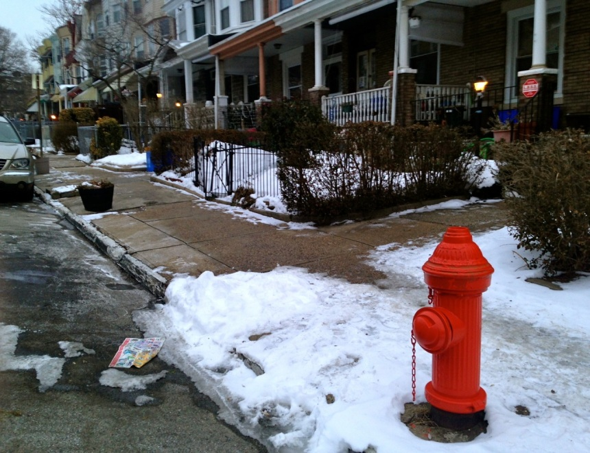 This is what the sidewalk on W Rockland Street looks like when you shovel. Photo taken on Friday, January 31, the same day as the above. Responsible people, to the left, irresponsible people to the right.